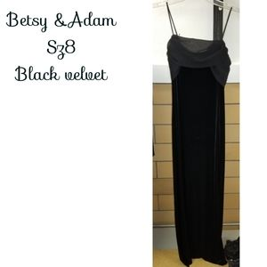 Vntg size 8 Black velvet Betsy&Adam Dress